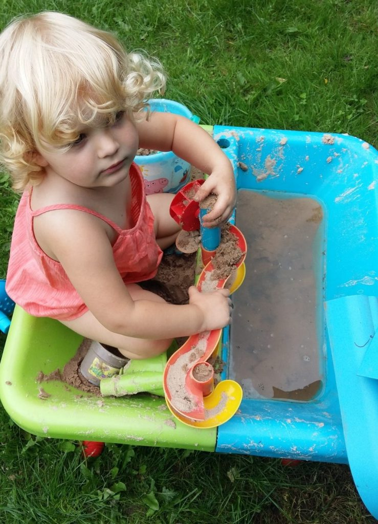 Surviving a heatwave with toddlers (3)