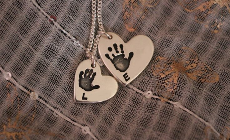 Bella & Bow handprint necklace