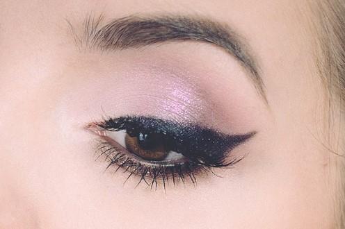 eyeliner flicky