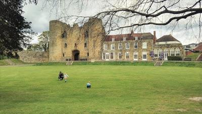 Tonbridge Castle Grounds and Tonbridge Racecourse Sportsground/Park, Tonbridge