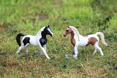 Schleich Horse Club Pintabian mare and stallion review