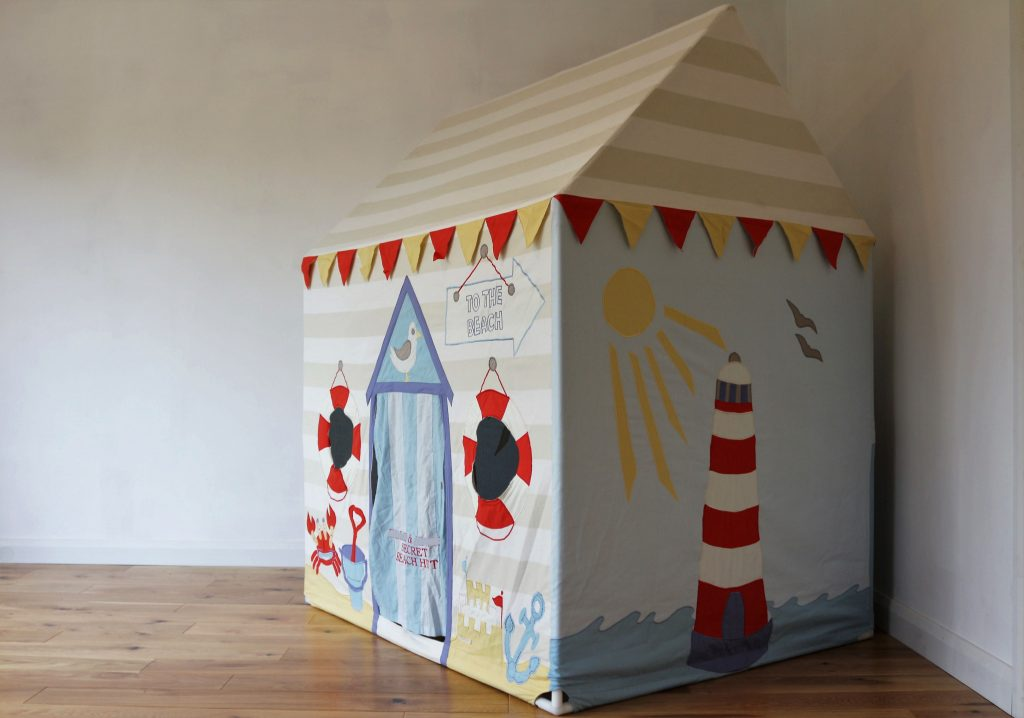 P Kiddiewinkles Play Tent Large Beach Hut (151)