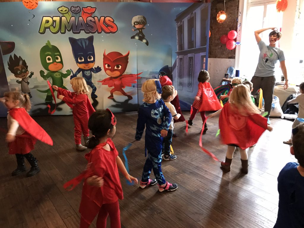 pj masks halloween party (4) diddi dance