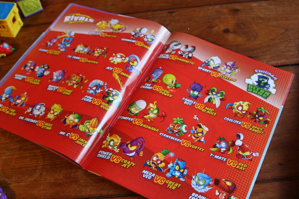 Superzings review collectibles book comic - what are SuperZings?
