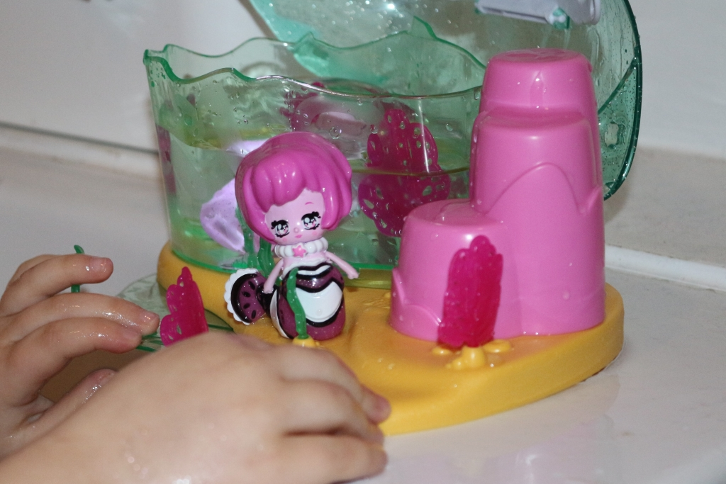 Glimmies Aquaria Glimsplash Playset review with Perlika