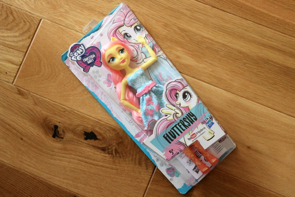 My Little Pony Equestria Girls classic style doll Fluttershy review