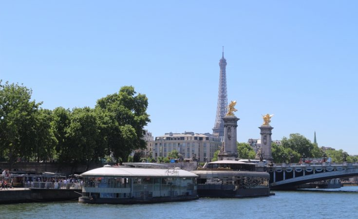 Tips for visiting France with children- Paris Eiffel Tower