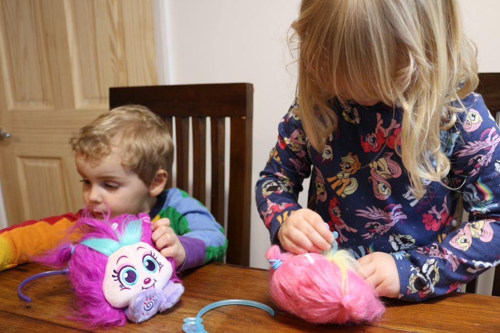 Shnooks Series 2 review Candy-scented plush soft toy (35)