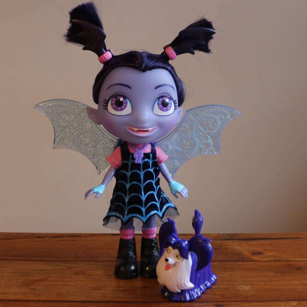 Vampirina Bat-tastic talking Vee and Wolfie, RRP £44.99
