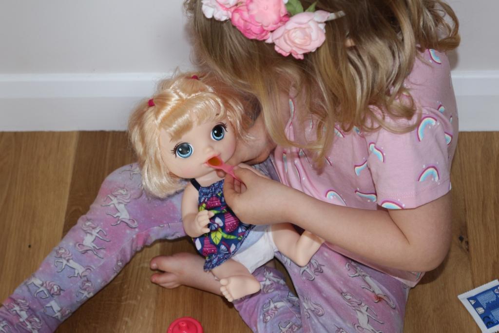 Feeding Baby Alive Sweet Spoonfuls doll