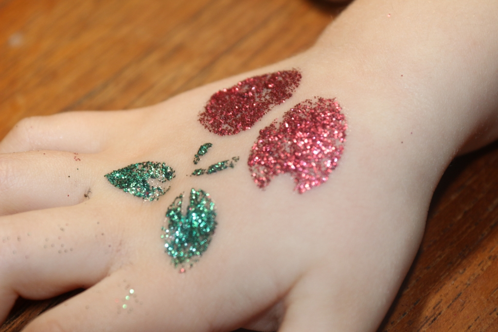 Interplay Fab Lab nail art, hairlights and glitter tattoo kits review (12)