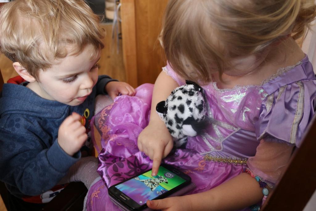Playing Lumo Stars App - What are Lumo Stars?