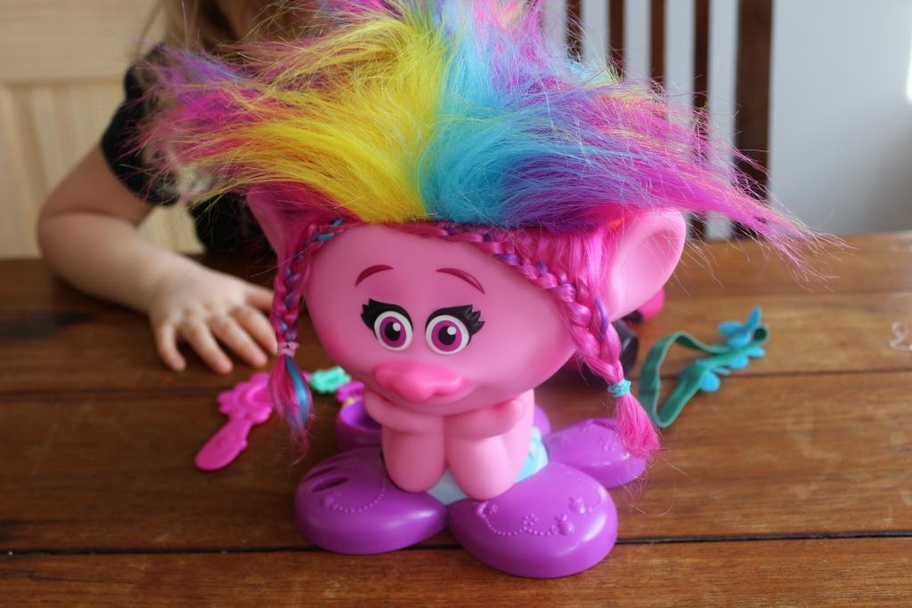 Princess Poppy Trolls Style Station - Trolls Poppy True Colours Styling Head