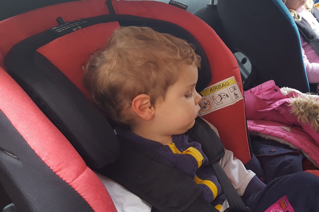 Asleep - car naps in the Axkid Minikid