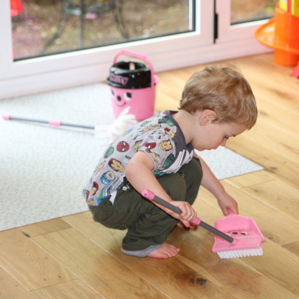 Casdon Deluxe Hetty Henry Cleaning Trolley