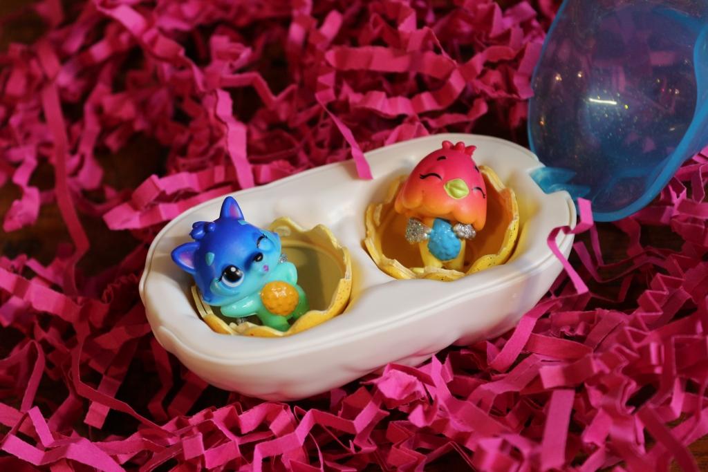 Hatchimals CollEGGtibles season 3 Cloud two egg carton