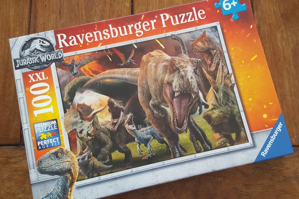 Jurassic World Dinosaur Jigsaw puzzle 100 piece