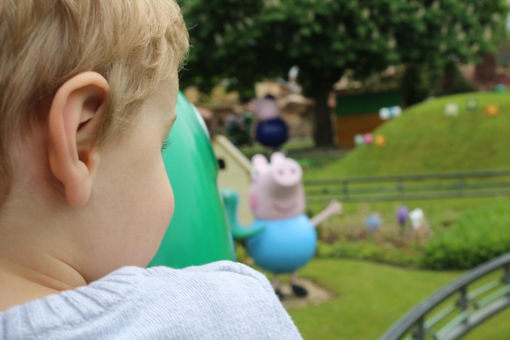 Peppa Pig World: George's Dinosaur Adventure