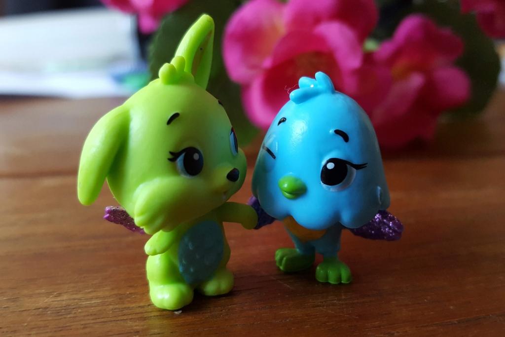 Hatchimals CollEGGtibles Season 3 ultra rare best friends