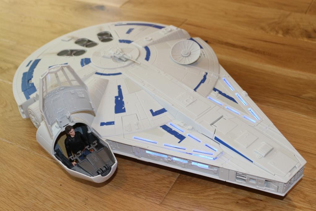 Hasbro Kessel Run Millenium Falcon Han Solo (32)