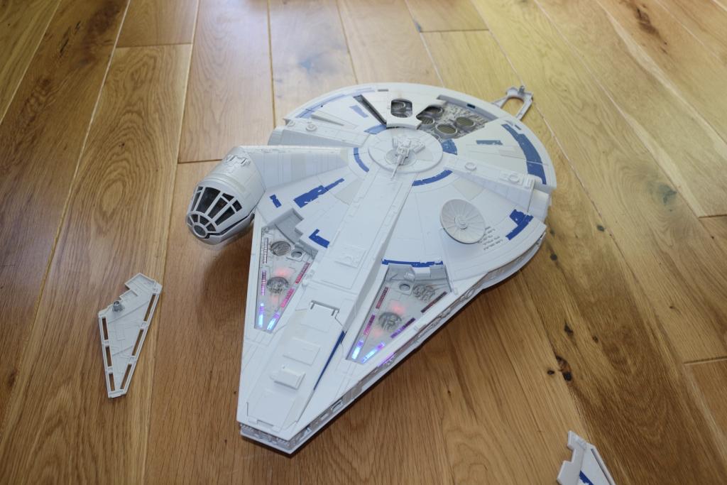 Kessel Run Millenium Falcon Han Solo - Hasbro Star Wars toys