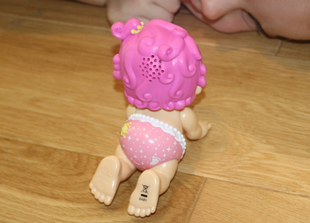 Primmy Little Live Bizzy Bubs walking talking dolls (75)