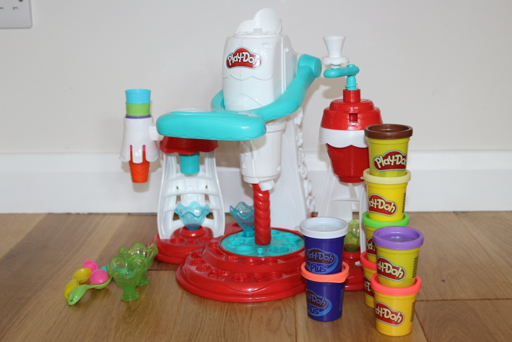 Play Doh Kitchen Creations ice cream maker (41)