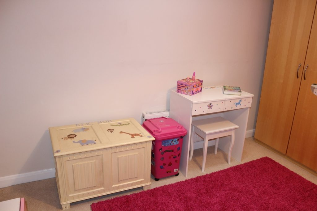Children's Girly Room Makeover - after (6)