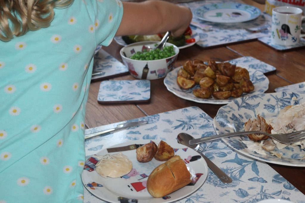 Top tips for family mealtimes (257)