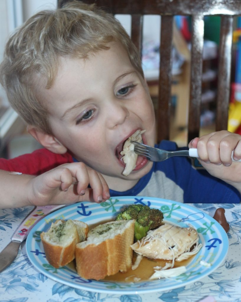 Top tips for family mealtimes (267)