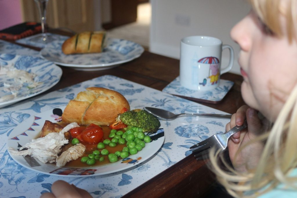 Top tips for family mealtimes (268)