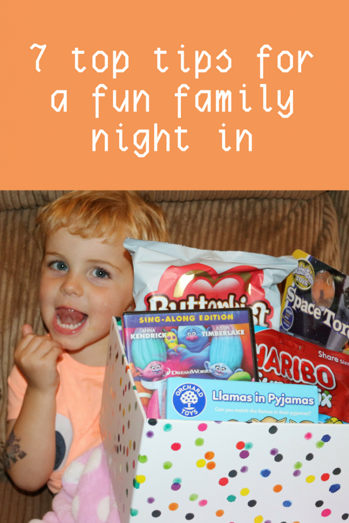 7 top tips for a fun family night in: pizza, games and a good film are all part of a great family evening in #parenting #parentingideas
