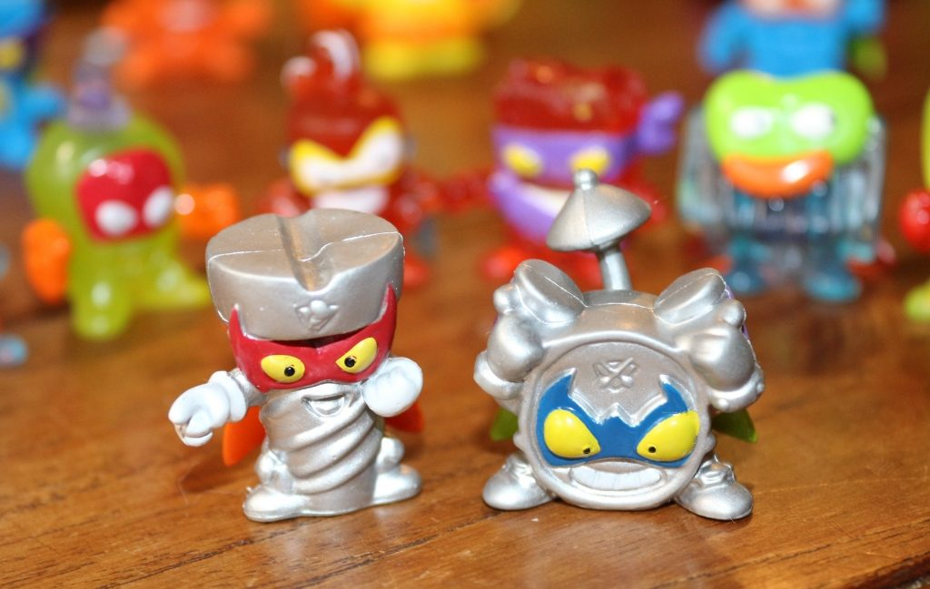 SuperZings series 2 Rivals of Kaboom Lord Twister and Beatcrush villains