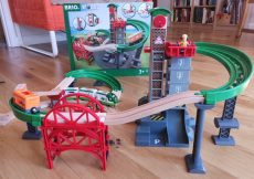 Brio World Lift & Load Warehouse Set review (49)
