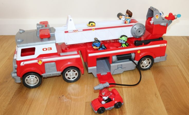 Paw Patrol Ultimate Rescue Marshall Deluxe Fire Truck (61)