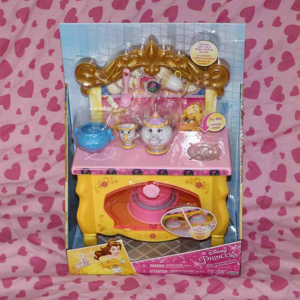 Disney Princess preschooler toys Belle's Kitchen Beauty and the Beast cake oven (2)