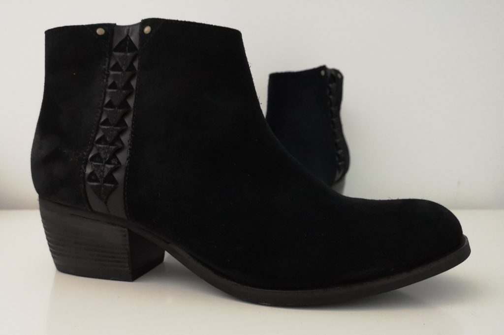 Clarks Maypearl Fawn Black Suede ankle boots - Fashion World Plus Size Fashion Monochrome review (19)