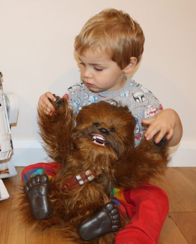 FurReal Hasbro Chewie Ultimate Co-Pilot review (112)