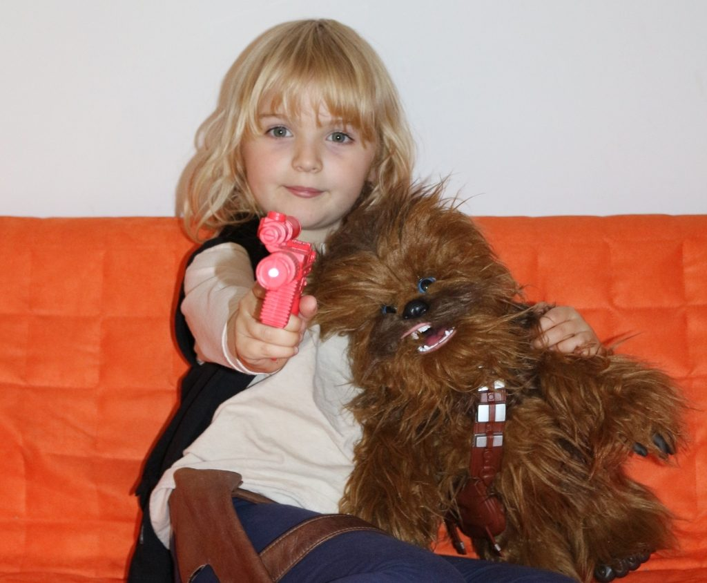 Chewbacca interactive toy by FurReal Hasbro Chewie Ultimate Co-Pilot review (200)