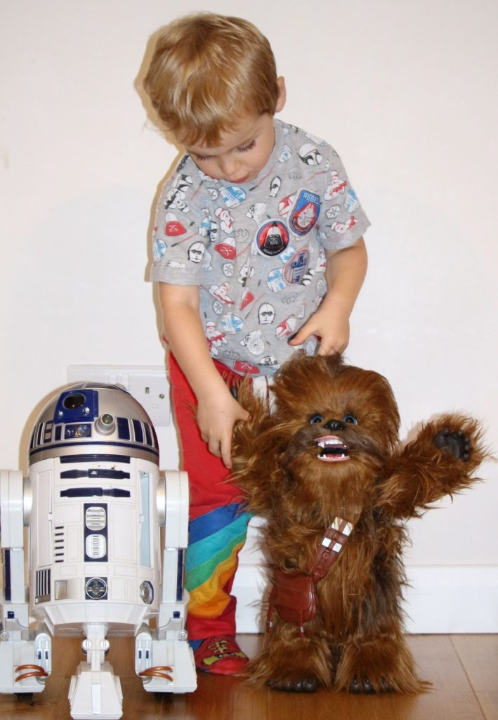 FurReal Hasbro Chewie Ultimate Co-Pilot review (94)