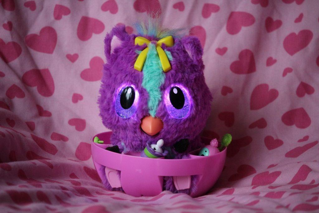 Hatchimals Hatchibaby review - Ponette girl in highchair
