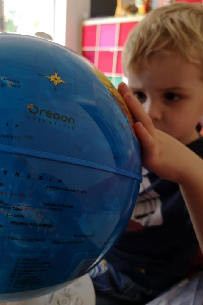 Globe for children Smart Globe Myth day and night constellations review AR review