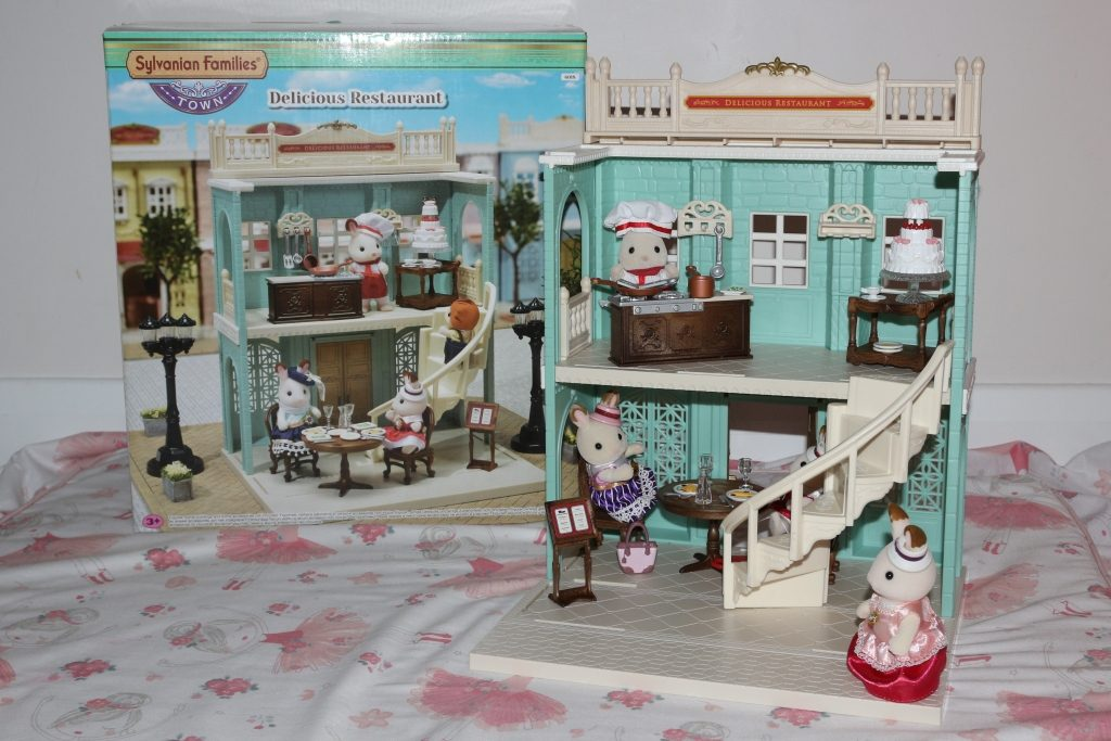 Sylvanian Families Delicious Restaurant 5th birthday present ideas
