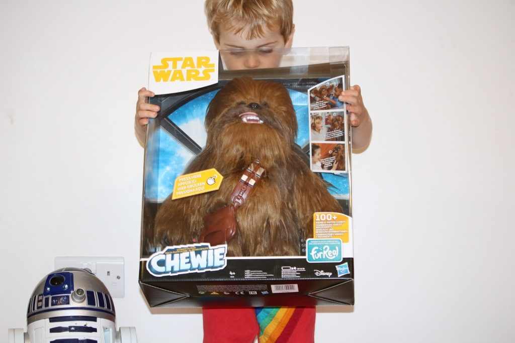 Ultimate Co-Pilot Chewie Chewbacca toy review (8)