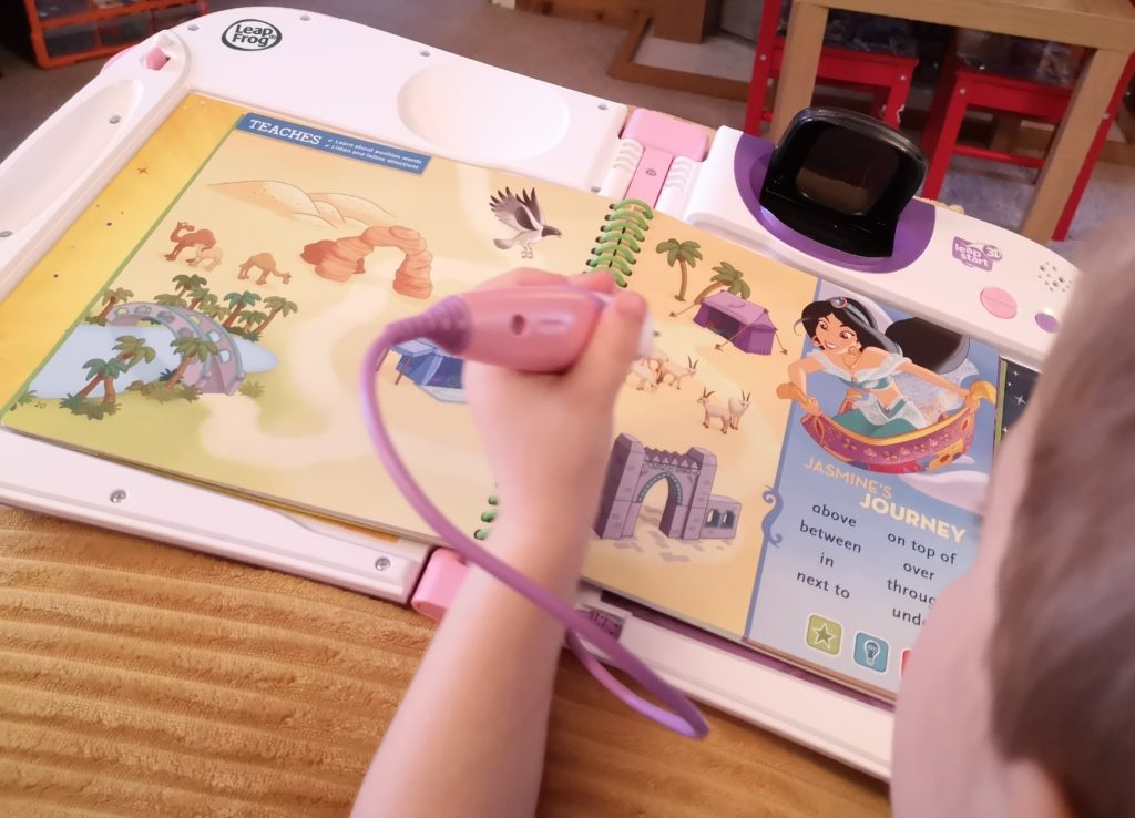 Leapfrog LeapStart 3D books Disney Pixar Maths in Action & Disney Princess Shine with Vocabulary review (4)