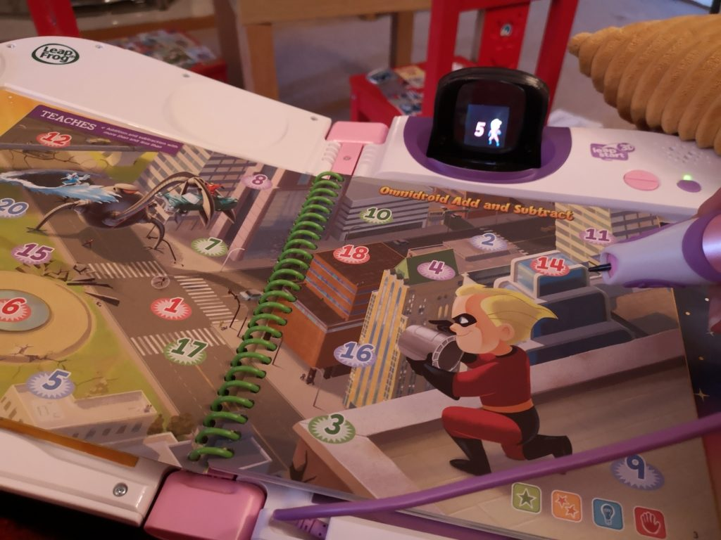 Leapfrog LeapStart 3D books Disney Pixar Maths in Action & Disney Princess Shine with Vocabulary review (16)