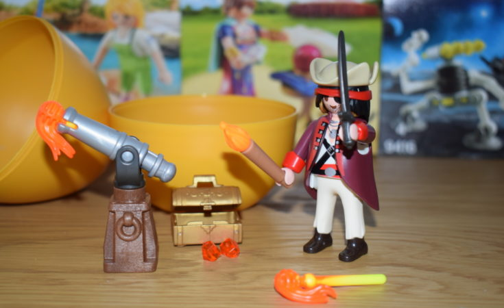 Playmobil Pirate Egg review - Alternative to chocolate Easter eggs - Non chocolate Easter gifts (17)
