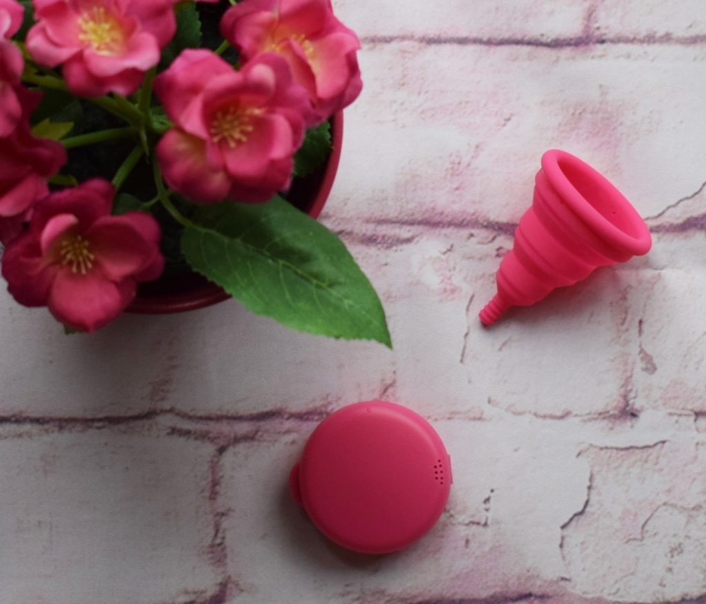 Lily Cup Compact collapsible menstrual cup review (3)