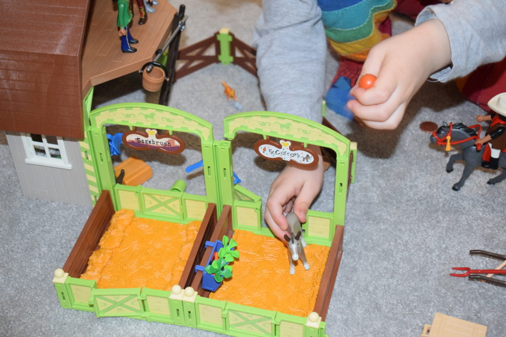 Spirit Riding Free series 8 Netflix horses playmobil playsets review