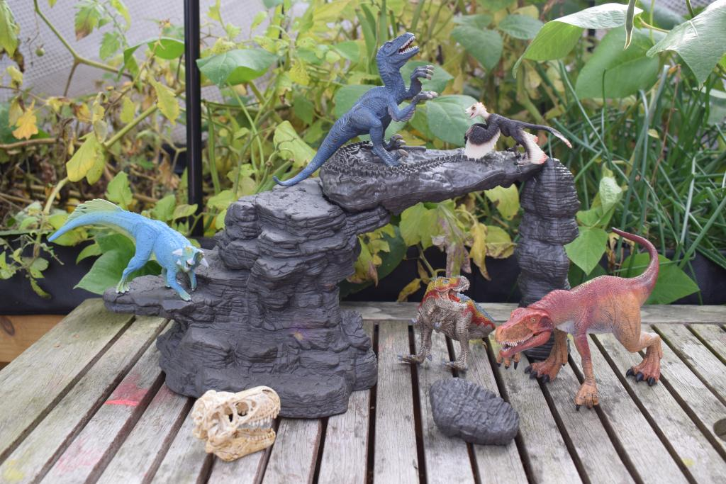 Schleich Dino Set with Cave Schleich Toy